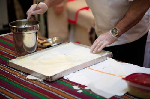 istanbul Blue Restaurant Baklava Making Show (2)